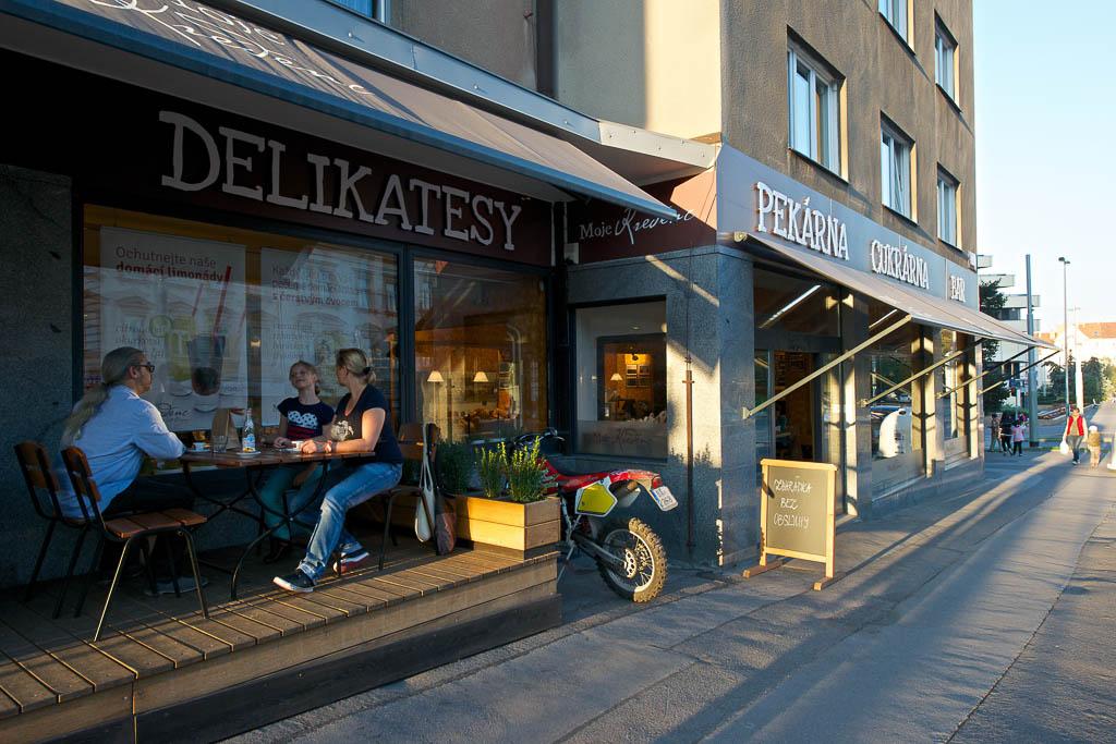 Moje Kredenc Prodejna delikates, pekárna, cukrárna - Bělohorská 26, Praha 6